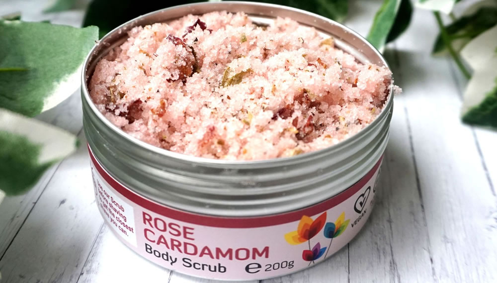 The Natural Spa, Rose Cardamom Body Scrub, 200g